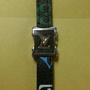 Louis Vuitton watch (462811515)